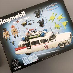 back of the Playmobil Ghostbusters box showing the box contents