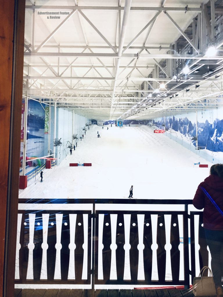 the big ski slope at chillfactore manchester